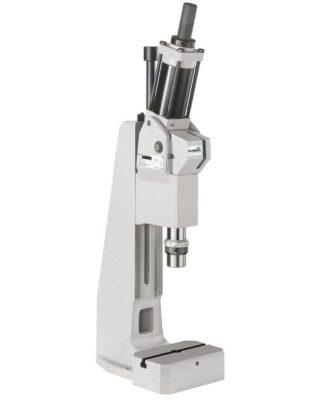 pneumatische Presse 33, starke Kraft am Hubende über Kniehebel